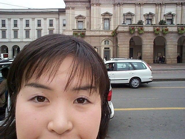 留学していた時の様子(スカラ座の前です)